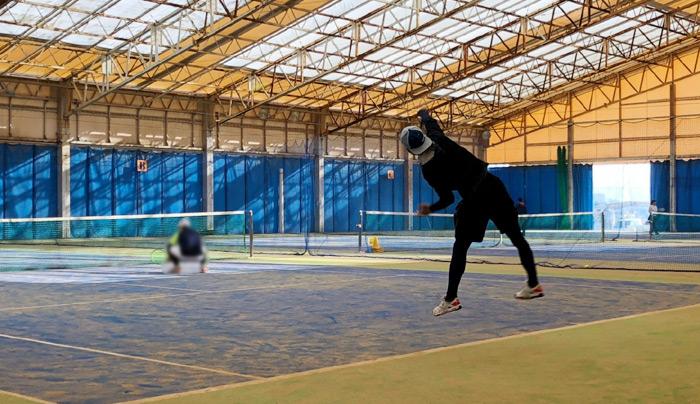 テニスコーチ 岩村英司