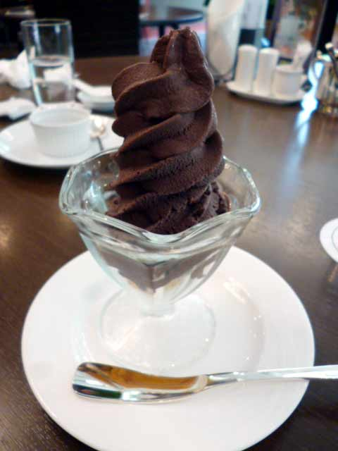 アーモンドチョコソフトクリーム