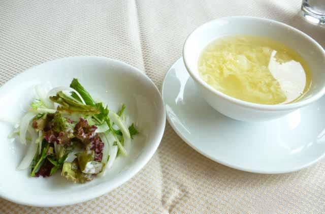 サラダと日替わりスープ