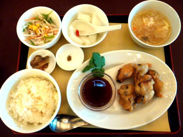 カキのサックリ揚げ定食 980円
