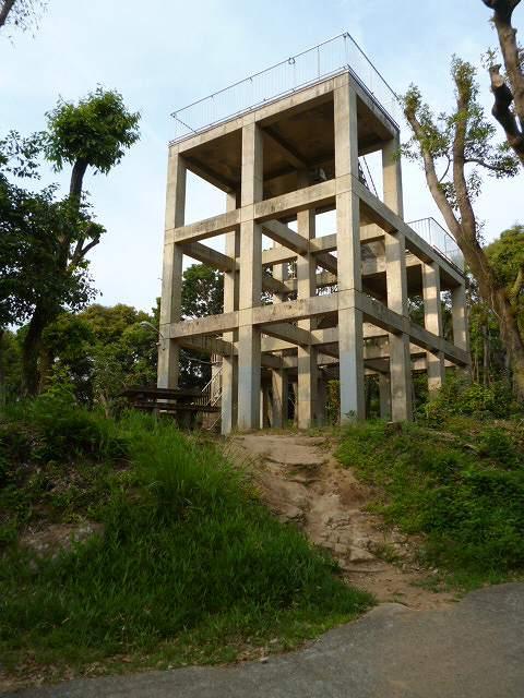 神園山の山頂 廃墟