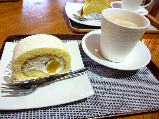 ごろっと!栗ロール+カフェオレ