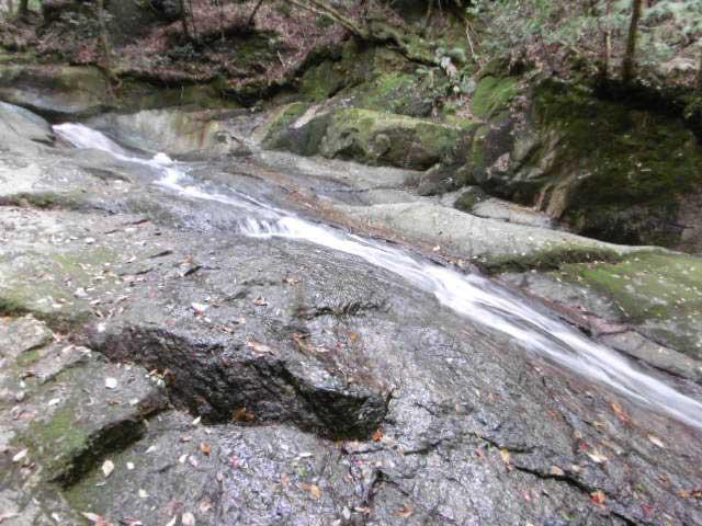 天然滝すべり