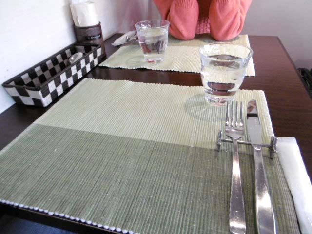 2人がけのテーブル席