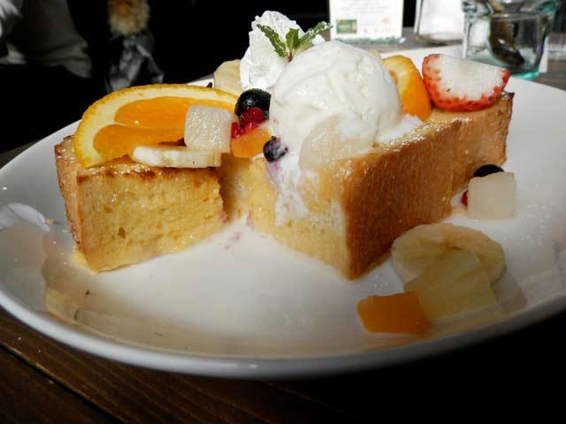 季節のフルーツフレンチトースト