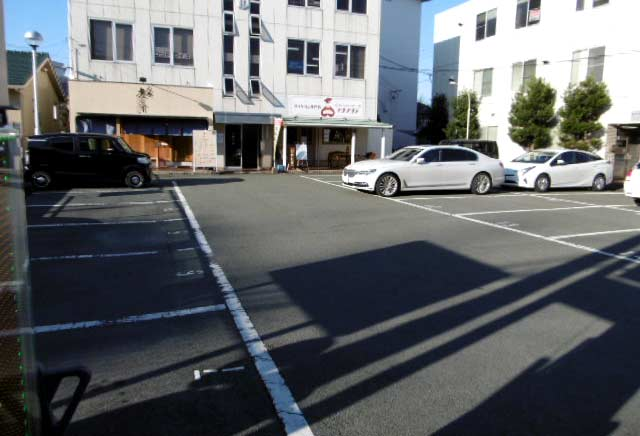 マグノリアさんの駐車場