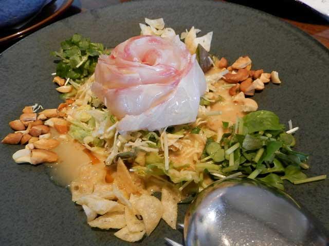 黄龍 鯛刺身と野菜の胡麻ソースかけ