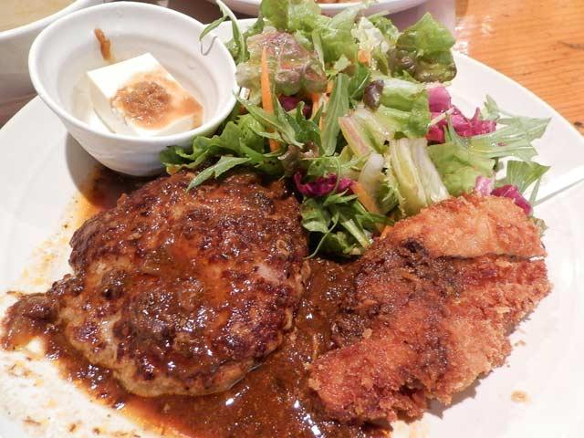 ガルグレイ チキンカツとハンバーグ定食