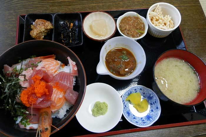 うま魚 海鮮丼